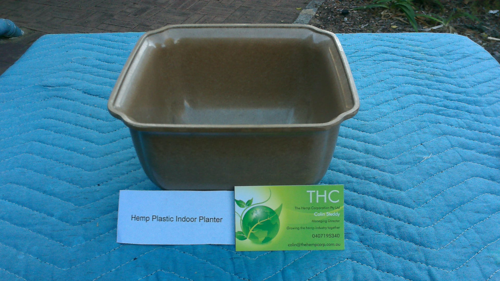 Hemp plastic indoor planter